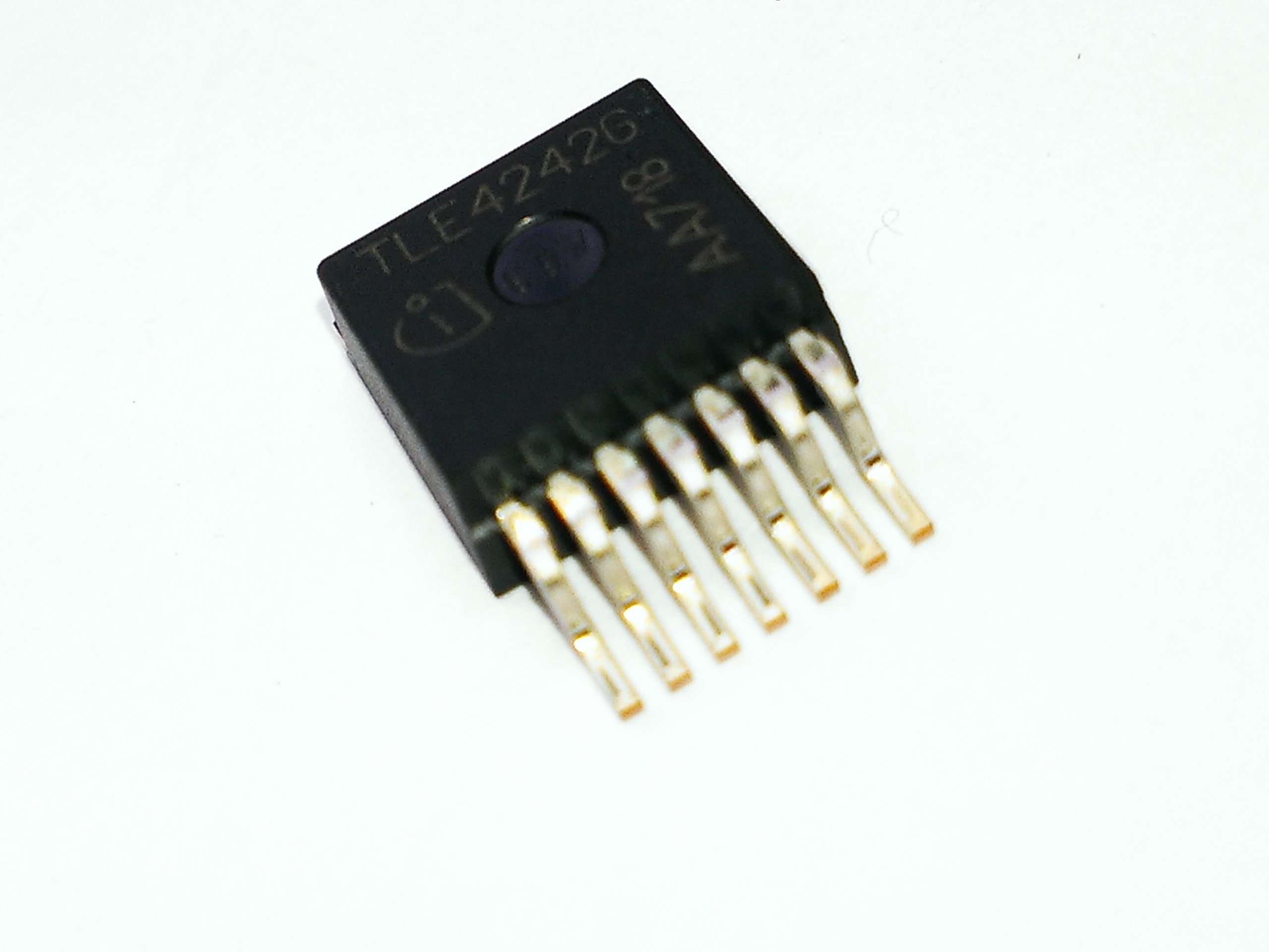 TLE4242G SMD
